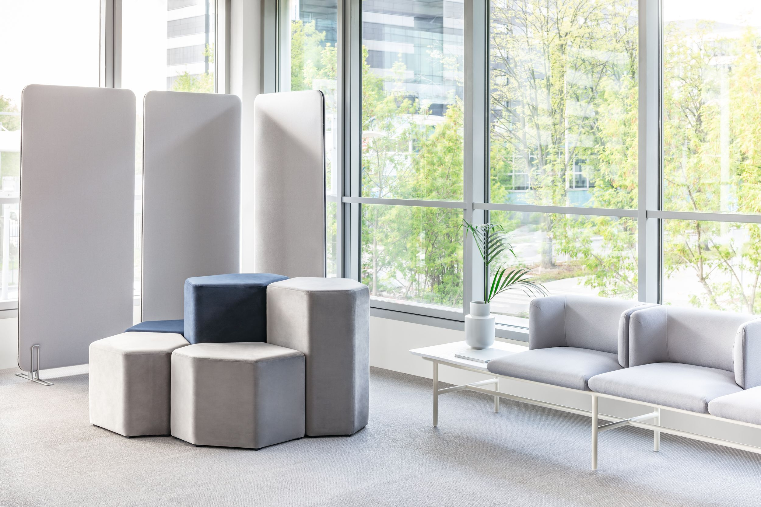 empfangstheken hochglanz lounge wartebereich beige