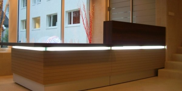 empfangstheken referenzen ComCave Dortmund beleuchtung
