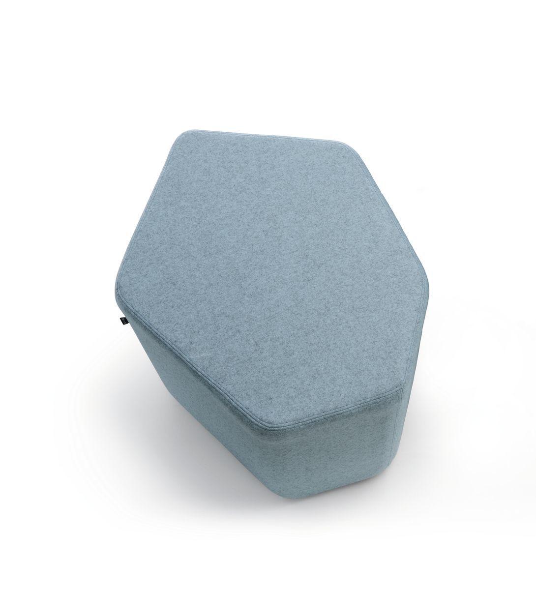 empfangstheken-sitzmoebel-lounge-museum-hellblau-top