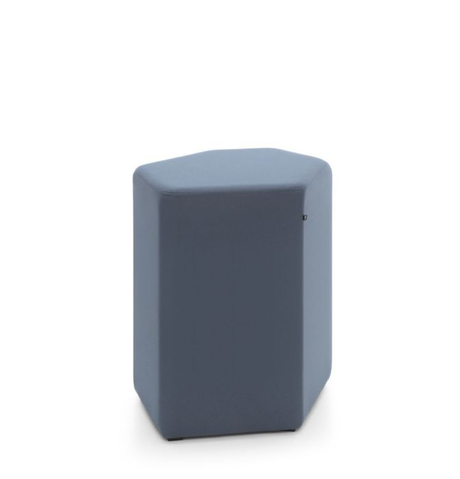 empfangstheken-sitzmoebel-lounge-museum-blau