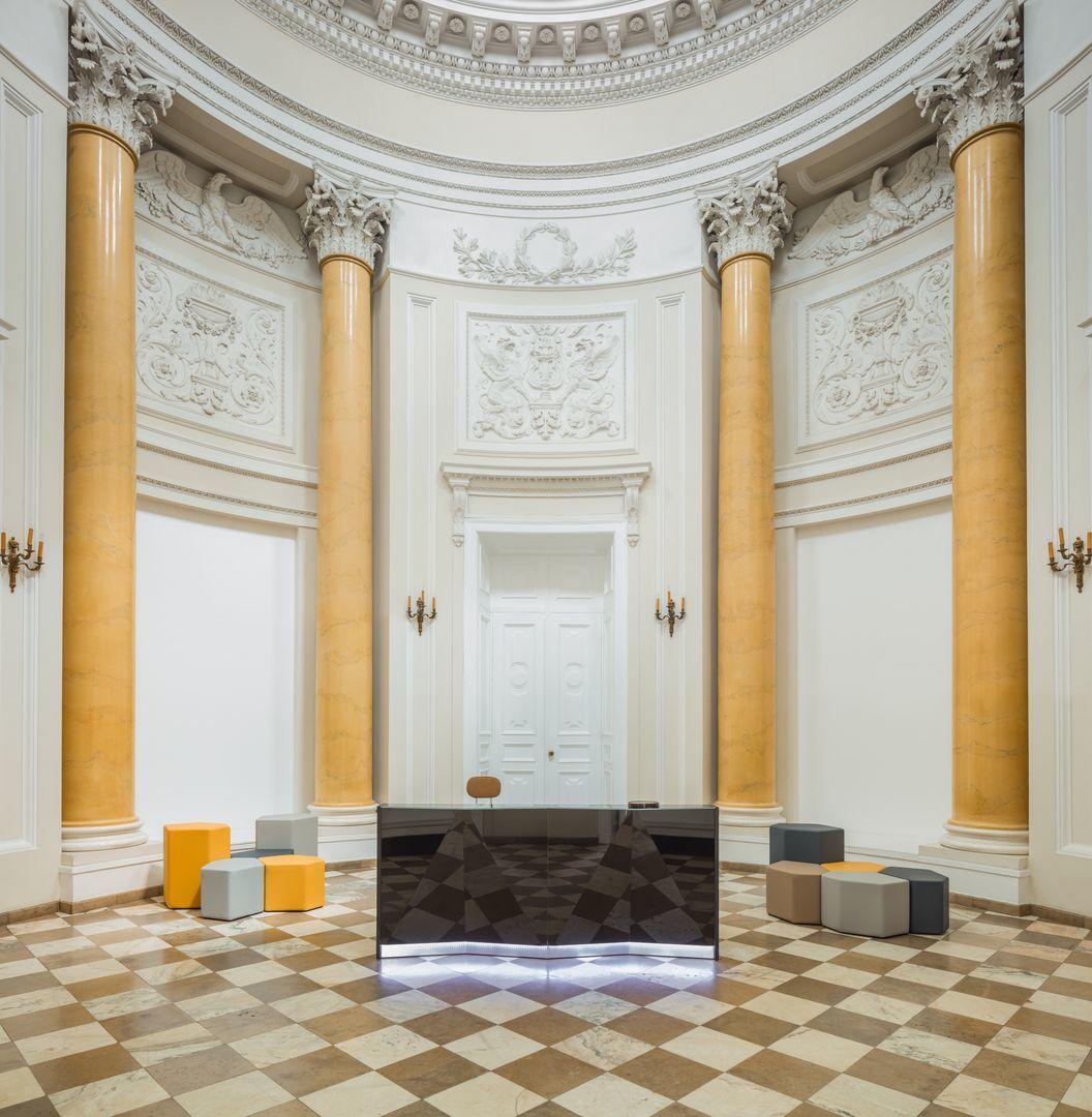 empfangstheken guenstig museum hochglanz schwarz musuem front