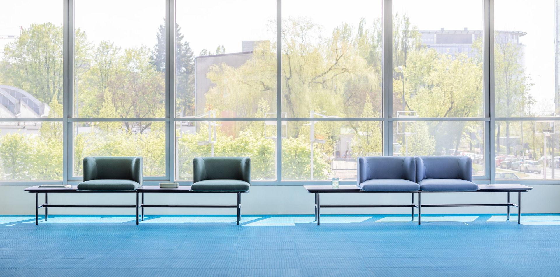 empfangstheken sitzmoebel foyer kanzlei schlicht gruen hellblau sitzbank front