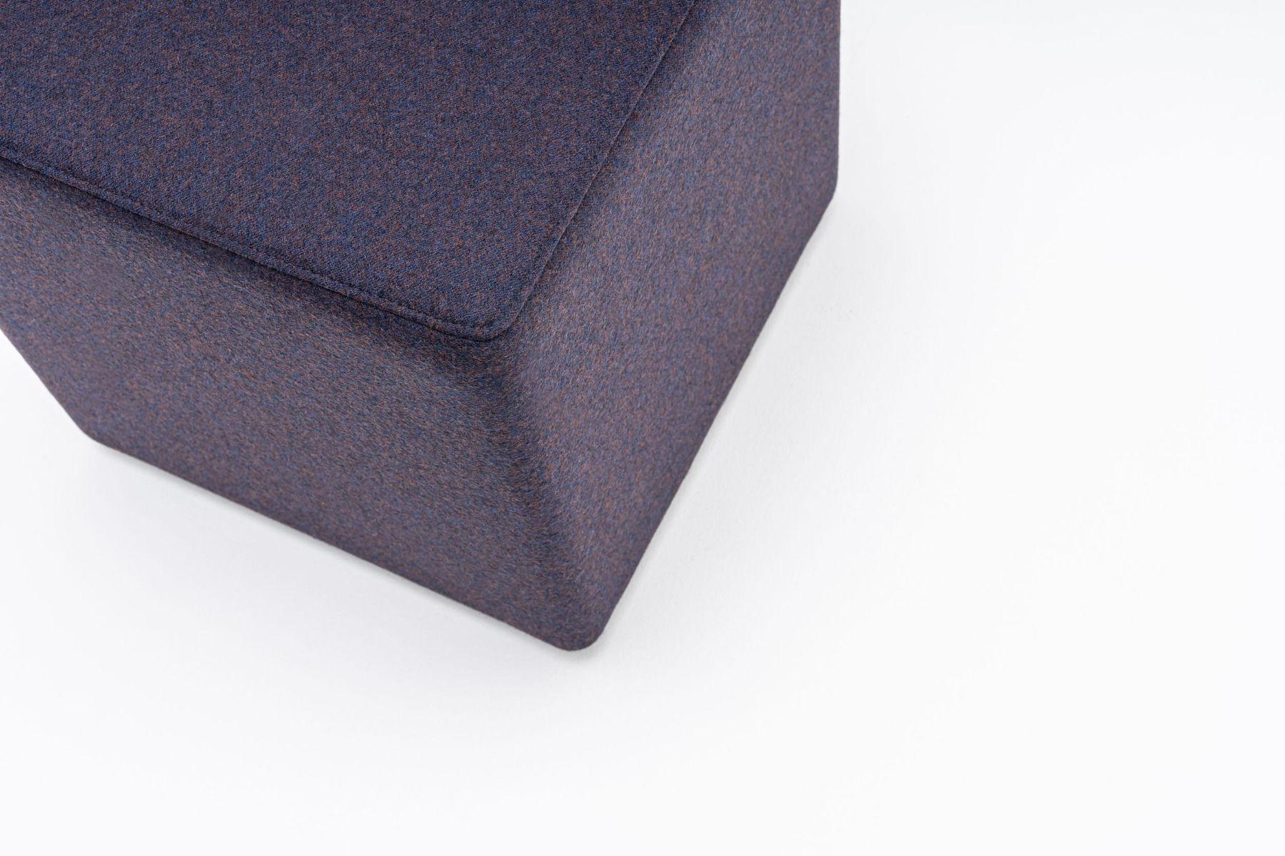 empfangstheken sitzmoebel lounge museum lila details
